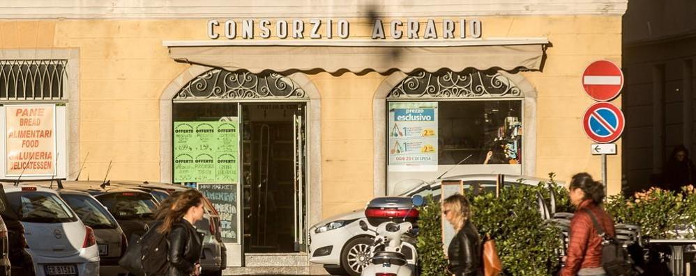 Sant'Agostino, la spesa impossibile  Il quartiere non ha più negozi