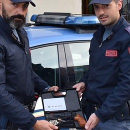 Gira armato per la città Arrestato dalla polizia