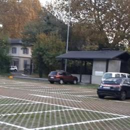 Cernobbio, polemica parcheggi  «Posti svenduti a Como»