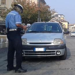 Mariano, altri furbetti della sosta  Ancora multe in piazza Roma