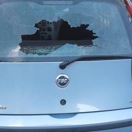 Vandali a San Paolo  Rotti di notte i vetri  all'auto di don Afker