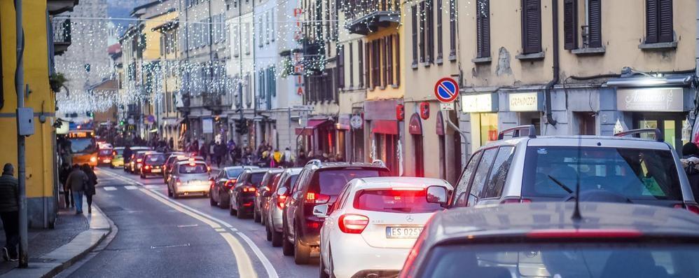 Como, piano anti caos per Natale  Posteggi, bus e battelli