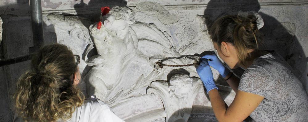San Carlo, restauro a costo zero  Cavallasca ringrazia gli svizzeri