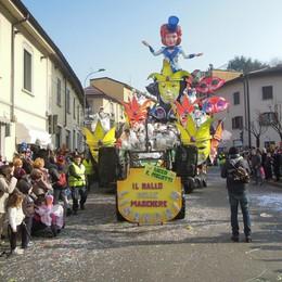CANTU - PRIMA SFILATA CARRI DI CARNEVALE 2017 - LISANDRIN