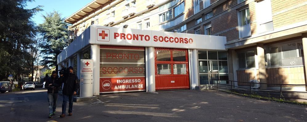 Saronno, minacce all'infermiera  Chiuso il suo profilo facebook