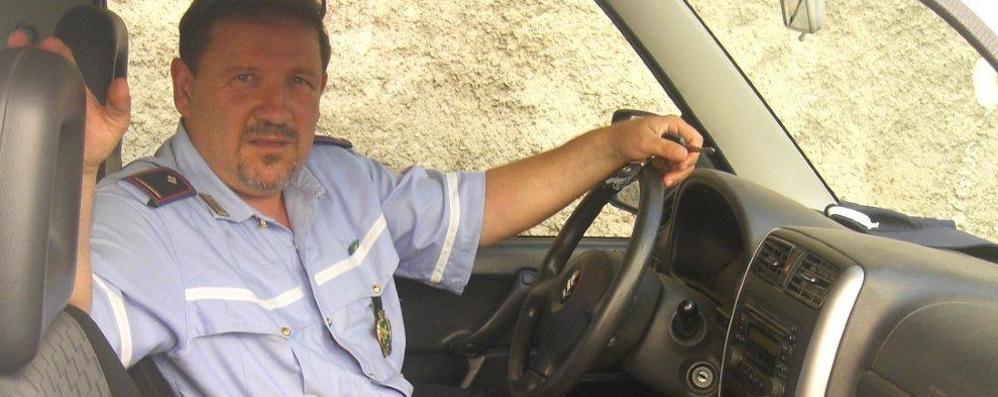 Ex sindaco salvato dal defibrillatore  Regala un altro salvavita a Brunate