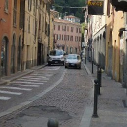 «Borgovico, nei weekend  chiudiamolo al traffico»
