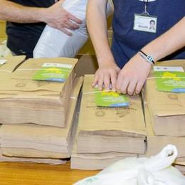 Como, nuovi sacchi per i rifiuti  Da maggio la distribuzione