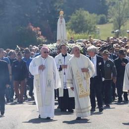 Madonna di Fatima  Ultima processione  a furor di popolo