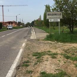 Bulgorello, beffa lunga 140 metri  «Senza marciapiedi siamo isolati»