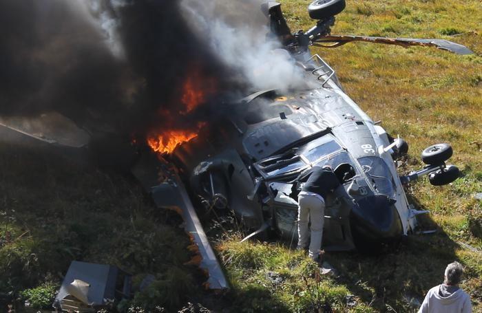 Cappelletti mentre interveniva sull'elicottero incurante del rischio di esplosione
