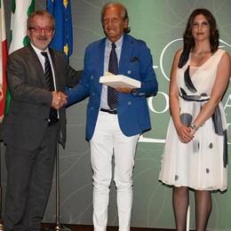 Orgoglio Canottieri Lario Conferita la Rosa Camuna