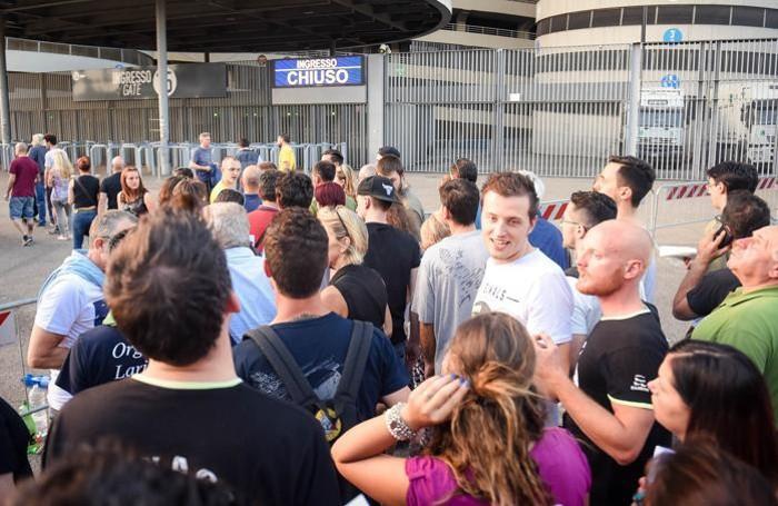 Como pomeriggio tutti in attesa per il grande concerto di Davide Van De Sfroos a San Siro