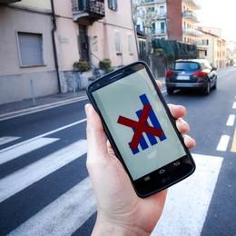 Cellulari, addio roaming Ma in  Svizzera non si cambia