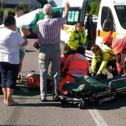 Scontro auto moto a Cadorago  Motociclista in gravi condizioni