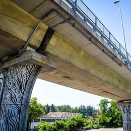Como, il viadotto resta chiuso ai camion «Subito altre verifiche tecniche»