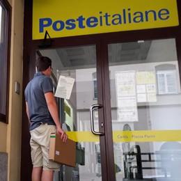 Cantù, uffici postali chiusi tra le proteste  «Per fortuna oggi è l'ultimo giorno»