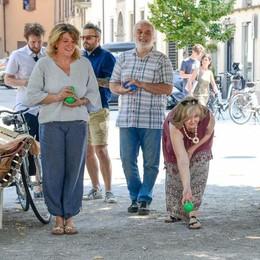 Piazza Roma, protesta delle bocce  «No alla sosta, resti così»