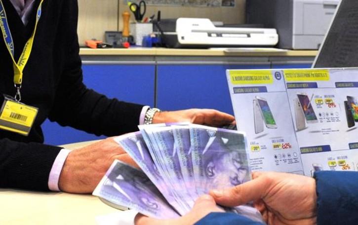 Franco debole, l'euro sopra 1,12  Piano per aiutare l'export svizzero