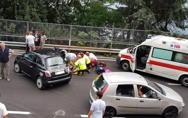 Incidente tra scooter e auto Lunghe code a Laglio  Cinque feriti a Pognana