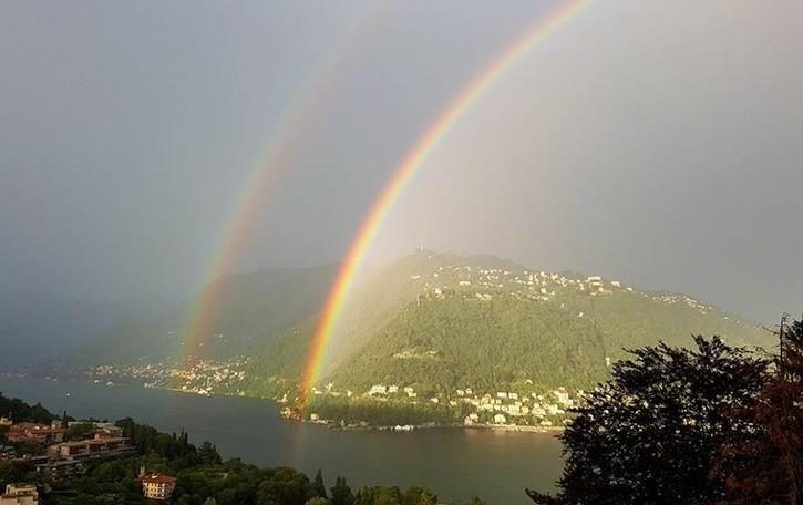 L'arcobaleno su Como che spettacolo