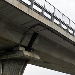 Como, viadotto Lavatoi  Stop ai mezzi pesanti