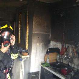 Incendio in casa  Vigili del fuoco a Montano