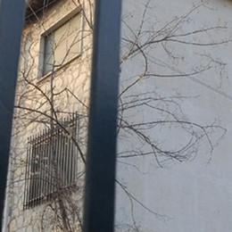San Fermo, ex caserma ai profughi  La ditta dei lavori annuncia la crisi