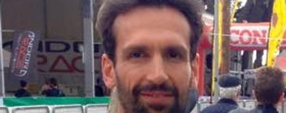 """«Io, il farmacista di Cabiate»  Stefano è un vero """"iron man"""""""