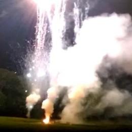 """Bizzarone, il video del """"fuoco""""  che ha colpito mamma e figlio"""