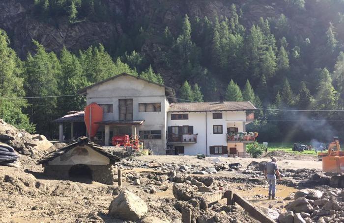 L'allagamento di Ollomont: salve le 18 persone di Cantù, in campeggio con l'oratorio di San Michele