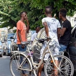 Migranti, la Lega contro il vescovo: «Abbiamo idee diverse»