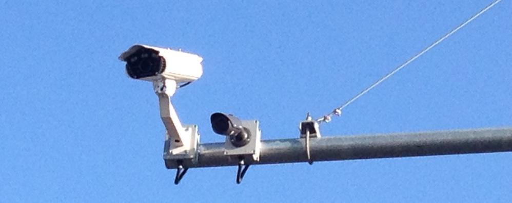 Un muro di telecamere  Iniziati i lavori a Cantù