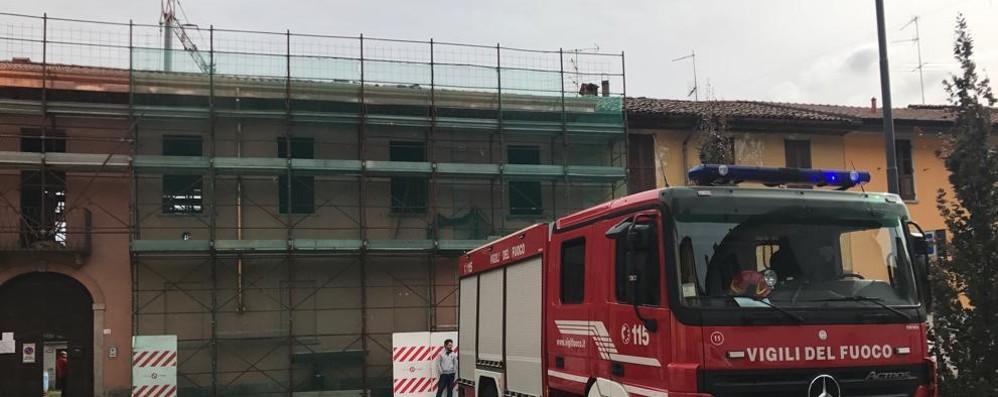 Albavilla, precipita dal tetto  Operaio ferito alle gambe
