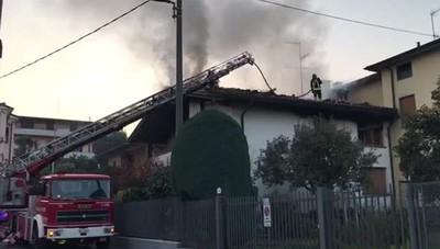 Cantù - Incendio in via degli Arconi/2