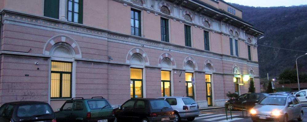 Spacciava droga ai minorenni  Arrestato in stazione a Canzo
