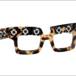 Leggeri e con molto legno  L'eco-svolta degli occhiali