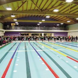 Erba, piscina aperta   Zanetti all'inaugurazione