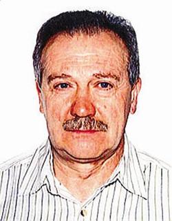 1Il portone di casa dal quale il padroncino è uscito lunedì mattina, senza fare più ritorno2 Pino Barone, 67 anni