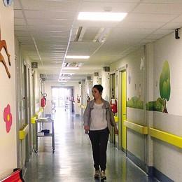 Bimbo di 20 mesi non si risveglia  Paura e corsa in ospedale