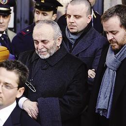 Sette anni fa la strage di Erba  «Basta infangare la mia famiglia»