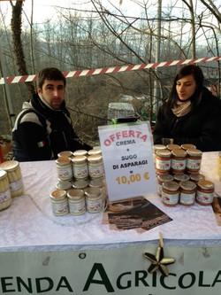mercatini natale Rodero con asparagi di Cantello