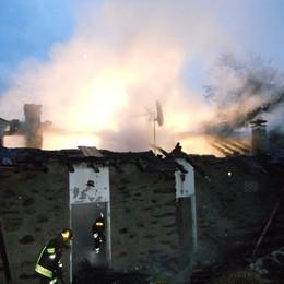 Incendio a Pianello Brucia appartamento