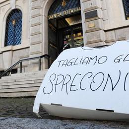 La protesta dei forconi a Como  Presidio in piazza Perretta