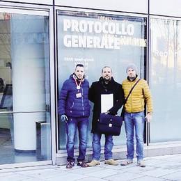 «Salvare l'ospedale di Giussano»  Consegnate 1.500 firme
