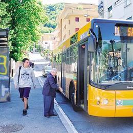 La protesta sale sul bus  «Tavernola, poche corse»