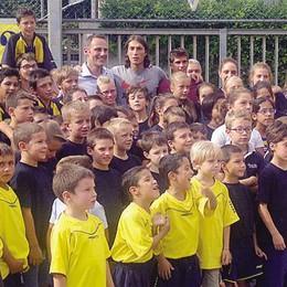 Festa di sport a Sant'Agata  Quattro calci con i campioni