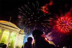 Como festa di Capodanno al Tempio Voltiano/Giardini a Lago, fuochi d'artificio