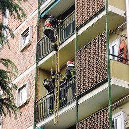 Pompieri, la sirena in consiglio  Interrogazione della Rivolta