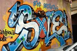 Graffiti in via Unione